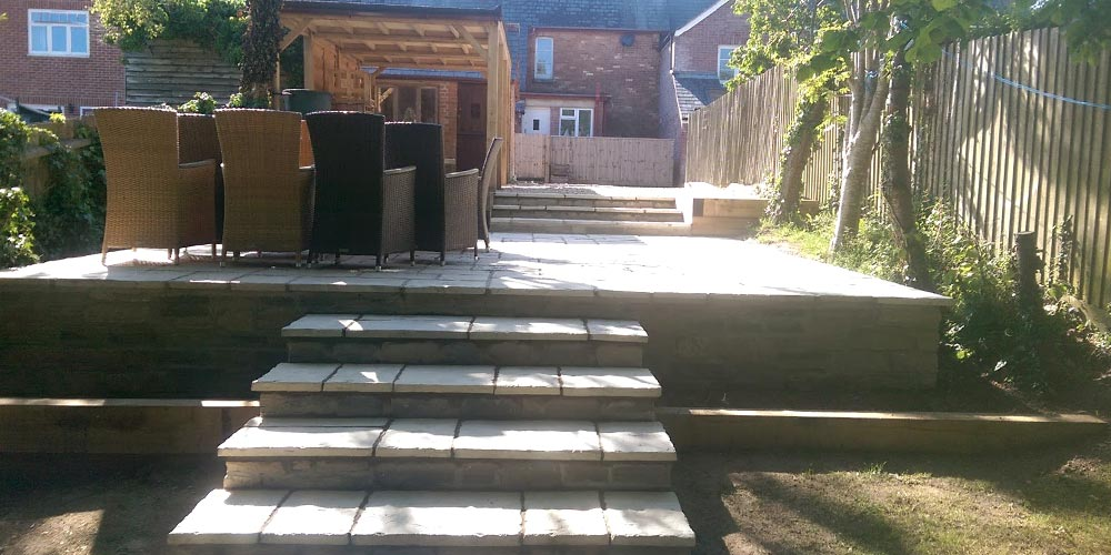 DG-Morgan-Retaining-walls-with-patio-Oak-store-2